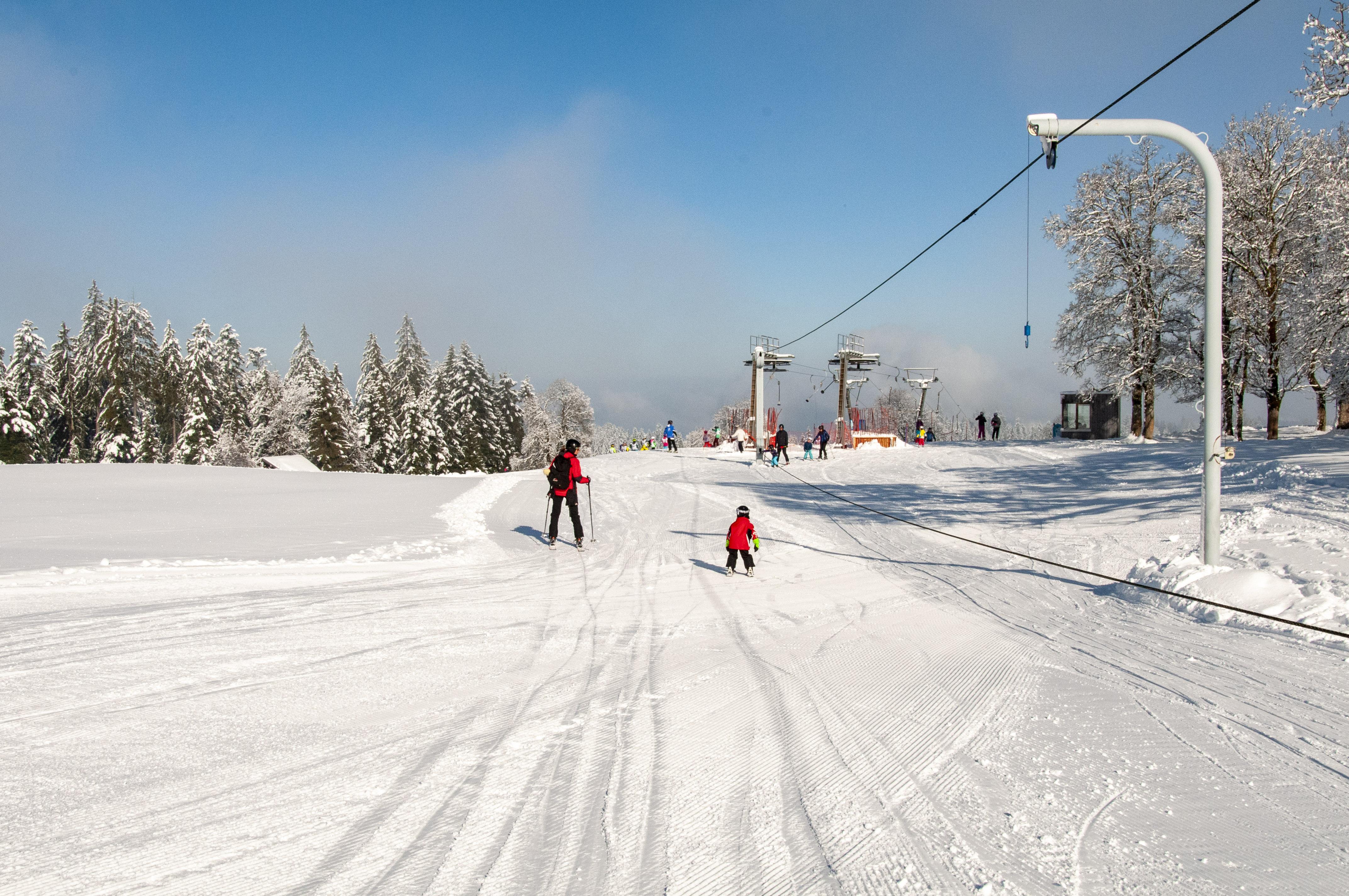 Skigebiet Bödele, Seillift Meierei mit Bergstation Oberlosen / Copyright© Jürgen Kostelac, Tarifgemeinschaft Bödele